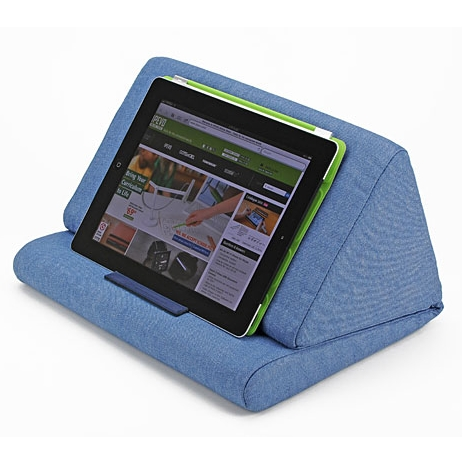 【IPEVO ダイレクト】IPEVO PadPillow クッション スタンド ブルーデニム Pillow Stand for the new iPad 3 & iPad 2 & iPad 1 - Blue Denim