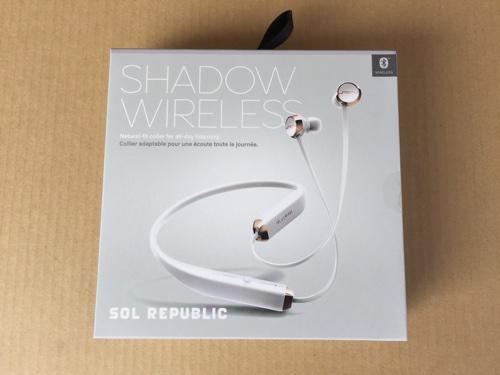 Sol Republic SHADOW カナル型ワイヤレスイヤホン : 通勤時に使うイヤフォンをいろいろ試してきましたがコレに落ち着きました。